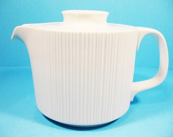 Tea or coffee pot, Rosenthal, Variation,  Tapio Wirkkala,  Germany