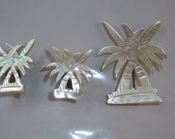 MOP Palm Tree Jewelry Set.  Carved MOP Jewelry Set. Mother of Pearl Tropical Jewelry set. Palm Tree Brooch. C Clasp Brooch.