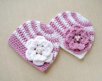 Newborn hats Baby girl twins hats Newborn twin girls beanie Twin baby girls hats Twin newborn hats for girls Newborn twin photo props Outfit
