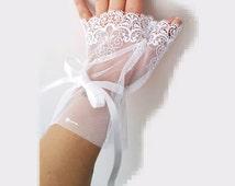 Wedding White Grandeur luxury Wedding wrist cuffs glove,  Bridal accessory, wrist warmers  burlesque  vintage, vampire glove