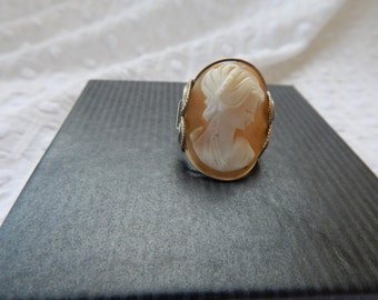 Sterling Silver Cameo Ring size 8
