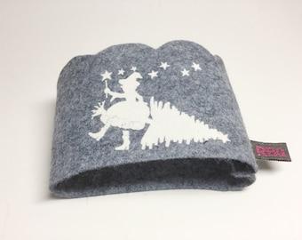 "Coffee Tea Travel Mug ""Christmas Witch "" grey & white To Go Cozy Sleeve scaloped Iron On"