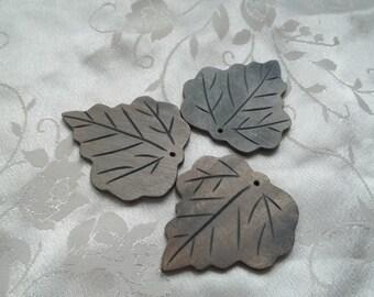 Grey Wood Leaves Beads Pendants Craft Jewelry Embellishments 45mm x 42mm Set of 5 #1241A