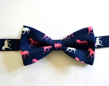 Men's bow tie/navy blue and pink horses derby bow tie for men/horses
