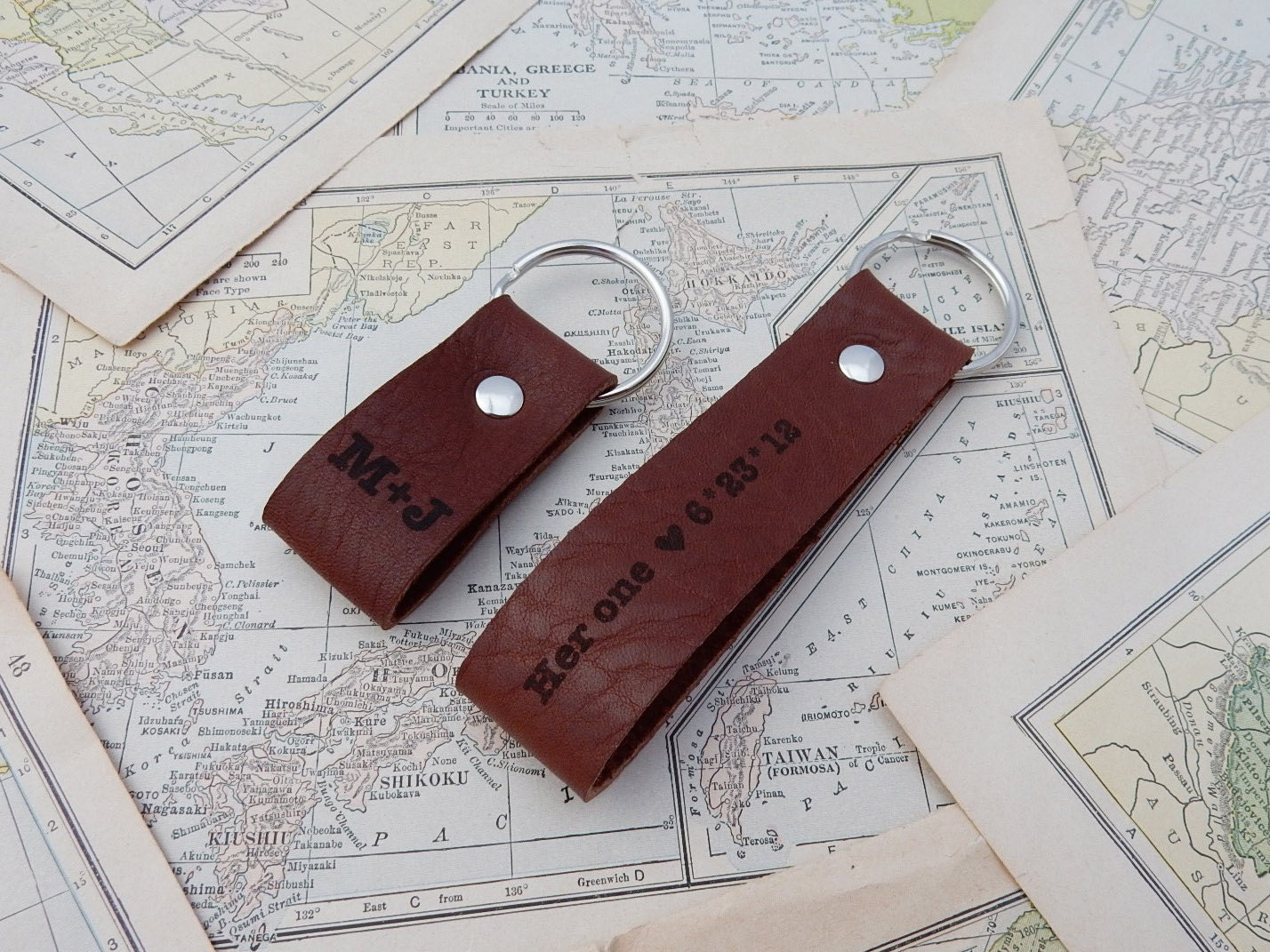9th Wedding Anniversary Traditional Gift: 9th Anniversary Gift Leather Keychain Couples Gift Set