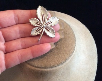 Vintage Signed Sarah Coventry Leaf Pin