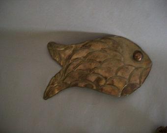 Fish Brass Buckle