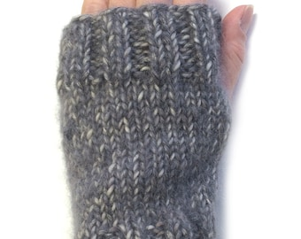 Beginner Mitts Knitting Pattern WM2051