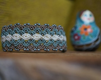 Beaded micro macrame bracelet in blue color