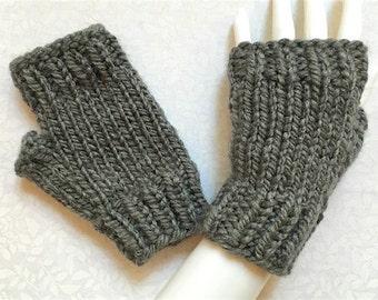 Knit Fingerless Gloves, Hand Warmers, Fingerless Mitts - Short Crop-Cuff Bulky (Med Grey)