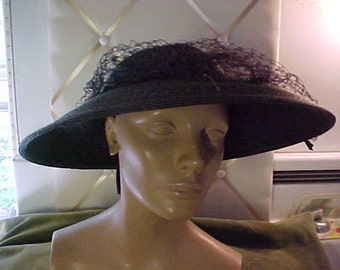 Vintage Brown/Black Straw WideBrim Hat with Veil, Tiny Bows on Veil, and back. Label Caprice, NY,S22.1014