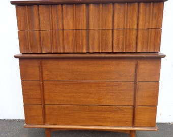 MCM Dresser United Furniture Chest Of Drawers Mid Century Modern Wood  Finish Bedroom Set Danish Eames
