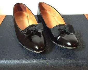 Polo Ralph Lauren Patent Leather Flats Women's size 9 B