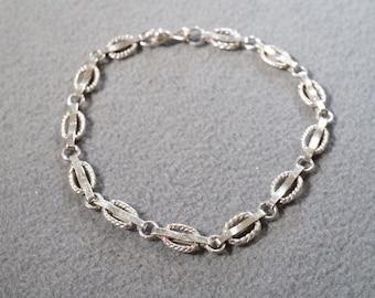 Vintage Sterling Silver Bold Fancy Oblong Link Bracelet    **RL