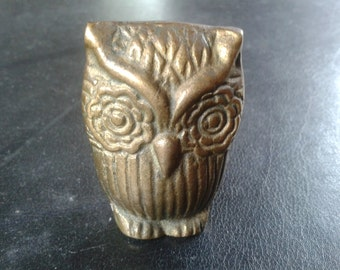 Vintage Brass Owl Paperweight/Desk/Office/Home/Decor