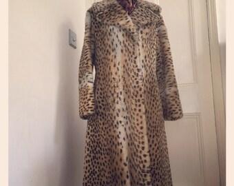 1950's Leopard Print Faux Fur Coat - Size 10-12