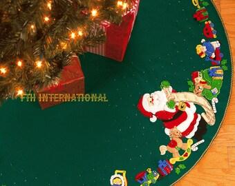 "Bucilla Santa's List ~ 43"" Felt Christmas Tree Skirt Kit #84857 Horse Toys Doll DIY"