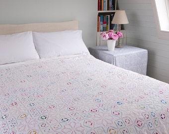 WHITE APPLIQUE BEDSPREAD – Multicoloured embroidered - Design 4