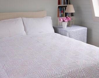 WHITE APPLIQUE BEDSPREAD – Multicoloured embroidered - Design 2