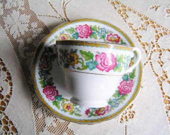 Vintage Royal Standard Indian Summer Pattern Made in England Bone China Tea Cup and Saucer Tea Party Tea Set Cups China Tea Cups