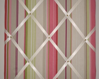 Candy stripe memo board