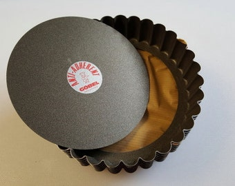 Gobel Round Non-Stick Fluted Quiche Tart Mold with Loose Removable Bottom - 5-1/2 inch - Gobel of France - 6 pieces