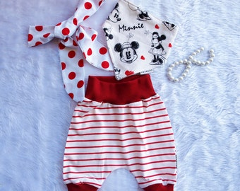 Baby Girls Bloomer Set. Baby girls bloomers, Baby Bloomers with contrast bib, and topknot headband. Minnie Mouse  Sizes 12 months.