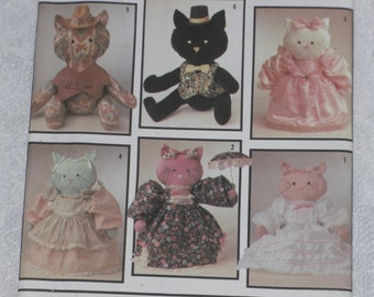 Simplicity 7205 Pattern Stuffed Kitty Cats & Clothes Uncut