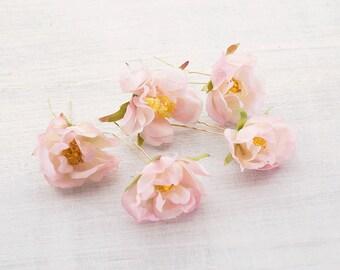 Hair flower pink