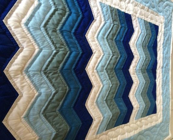 Amish Hand Sewn Baby Boy Crib Quilt In Zigzag Pattern
