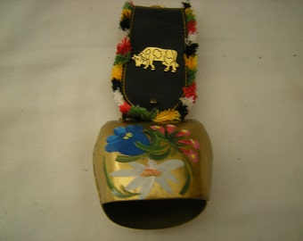 vintage cow bell-brass cow bell-swiss souvenir-leather strap-painted mountain flowers-shelf decor-