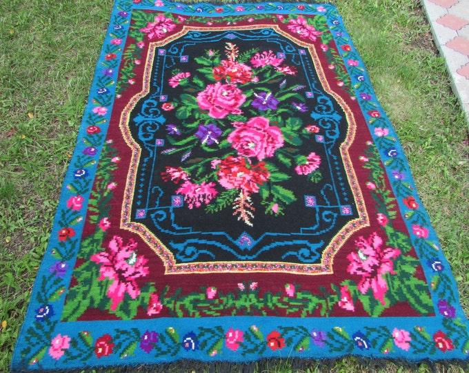 Vintage handwoven wool rug carpet. Moldova carpet- Floral kilim - Romania Kilim Bessarabian Kilim. Vintage Kilim, rose kilim rug.