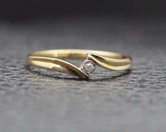 10k Yellow Gold Twist Curve Diamond Promise Engagement Ring