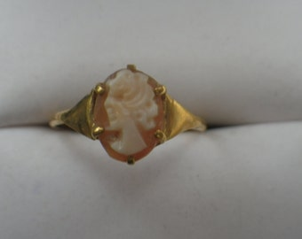 15ct Yellow Gold Cameo Ring