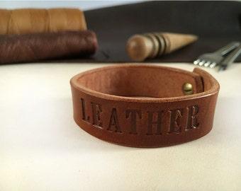 Custom engraved bracelet unisex Full grain leather veg tan Leather cuff men Leather cuff bracelet for women Personalized groomsman gift idea