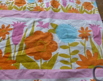 2 curtains vintage fabrics 1970 counter of the textile industry of France ROMANEX Boussac , big flowers, it's old caravan curtains
