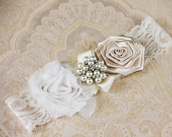 Ivory Keepsake Bridal Garter, Cream Wedding Garter, Lace Bridal Garter, Ivory Garter - Ivory Lace, Cream and White Flower Garter