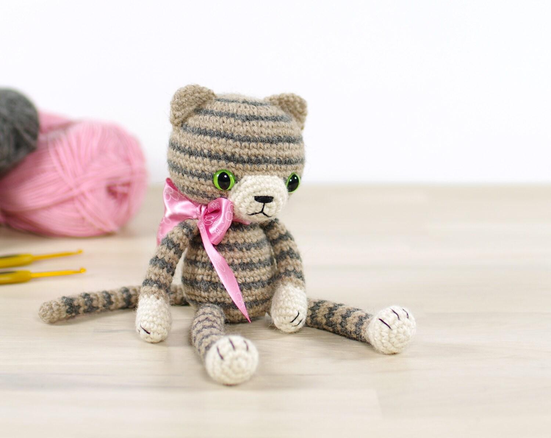 Tiny Amigurumi Cat Pattern : PATTERN: Stripy amigurumi cat Crochet pattern with photos