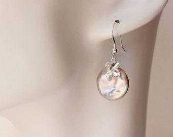 Pearl Plumeria Earrings, Plumeria Coin Pearl Earrings, Beach Wedding Earrings, Frangipani Earrings, Bridesmaid Gifts, Hawaiian Earrings