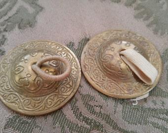 VTG EUC Zills set 2 brass metal finger cymbals original patina scroll design belly dance musical instrument