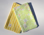 """Burp Cloth Gift Set in """"Lime Bushes and Straw"""" : 100% organic cotton"""