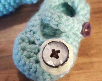 Crochet Mary Janes with Flower Button