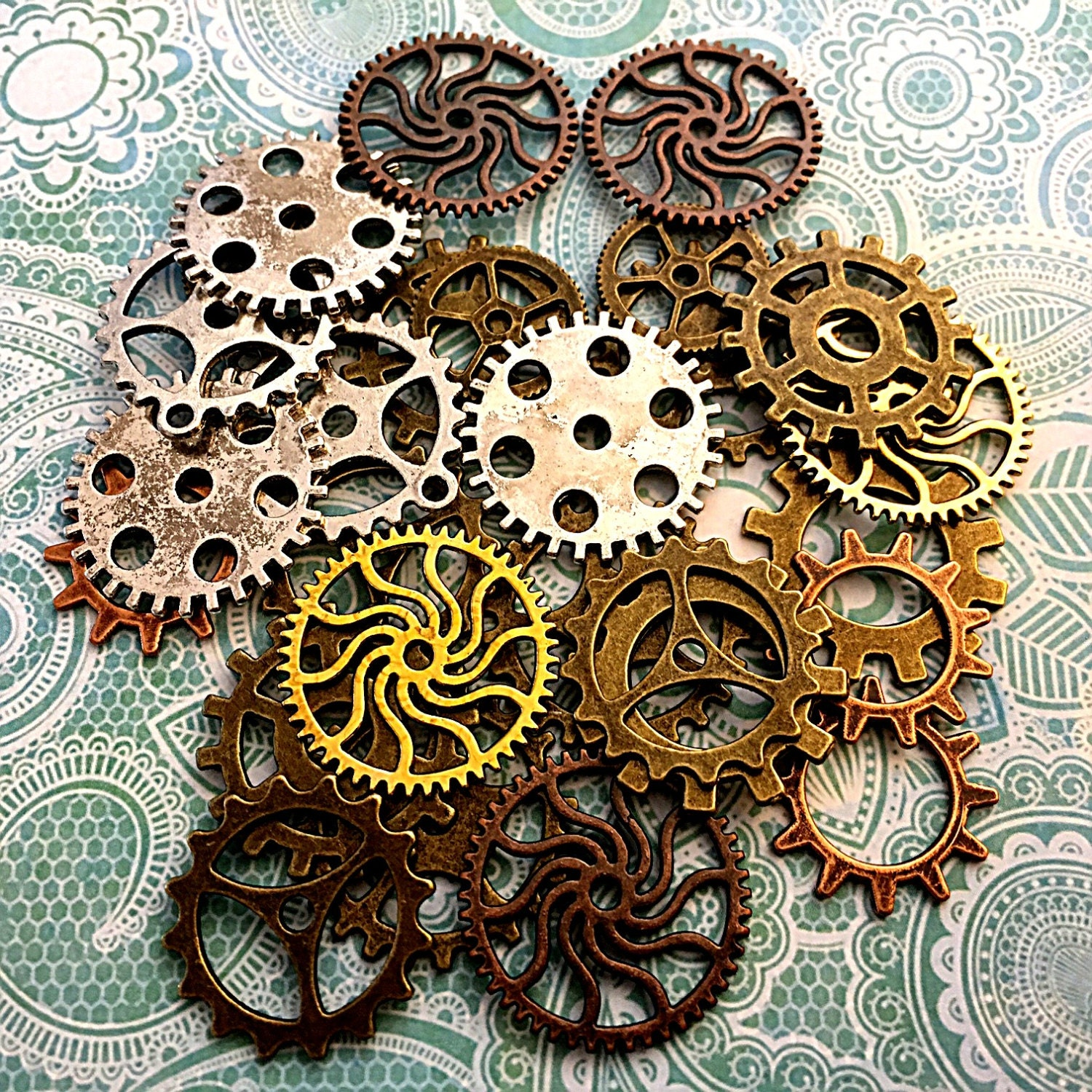 Is Steampunk Jewelry A Craft Or An Art: 80 Steampunk Gears Cogs Buttons Watch Parts Altered Art Brass