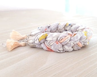 Bracelet braided fabric silk - grey and pastel pink - clear - beautiful quality - Pompom - metal argante - Bohemian look