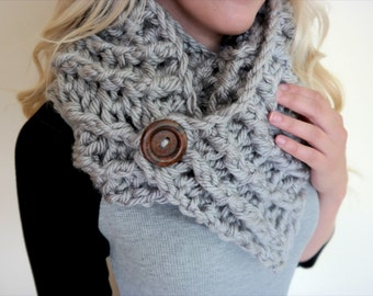 Oversized Scarf with Buttons | Hand Crochet | Grey Color