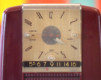 Bluetooth Speaker: 1950s Westinghouse Red Clock Radio Mp3 Player