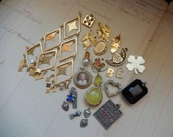 22 Piece Vintage Charm Dangle Pendant Destash Lot