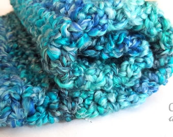 Crochet handmade Mini blanket, deep textured photography blanket, baby photo prop, handmade baby blanket, mini blanket, basket filler