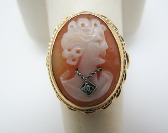 Lovely 10k Yellow Gold Cameo Ring with Diamond Necklace