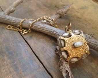 vintage gold tone ornate bead pendant necklace